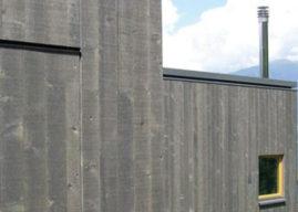 Dřevěné fasády – nechat zešednout, nebo natřít? A čím?